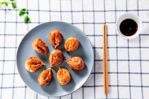 圃美多饺子皮薄馅厚,多种烹饪方法口感直追韩式餐厅