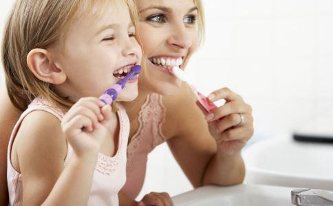 每天刷三次牙可以预防心血管疾病吗 怎么正确刷牙 刷牙有哪些好处